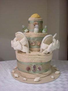 New Wedding Gifts Ideas Baskets Towel Cakes Ideas Diy Birthday Gifts For Mom, Diy Father's Day Gifts, Diy Gifts For Kids, Guest Gifts, Wedding Gift Baskets, Diy Wedding Gifts, Wedding Gifts For Guests, Wedding Ideas, Trendy Wedding