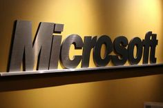 Microsoft Went Through Blogger's Hot­mail To Dis­cover Win­dows 8 Leak