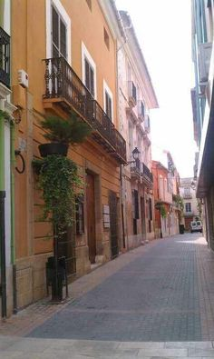 Old town shopping district. Alicante, Spain Travel, Old Town, Places Ive Been, Portugal, Spanish, Drawing, Architecture, Building