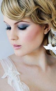 Blue eye shadow - #bridal #makeup