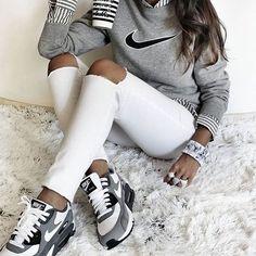 Tag someone who likes this outfits! Follow @thelouun @ddowashop #nike #airmax…