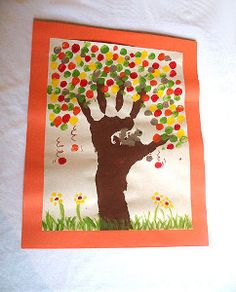 Preschool Crafts for Kids*: Fingerprint Fall Tree Craft - I wouldn& do this. - Preschool Crafts for Kids*: Fingerprint Fall Tree Craft – I wouldn& do this one with too yo - Kids Crafts, Easy Fall Crafts, Tree Crafts, Thanksgiving Crafts, Toddler Crafts, Preschool Crafts, Holiday Crafts, Arts And Crafts, Thanksgiving Placemats