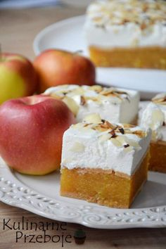 Szarlotka bez pieczenia na herbatnikach Clean Eating, Healthy Eating, Polish Recipes, Dessert Drinks, Homemade Cakes, Tart, Food And Drink, Peach, Cooking Recipes