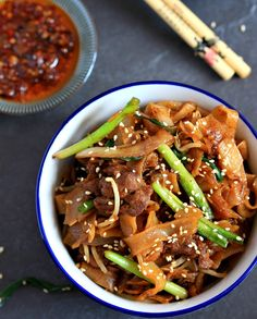 Beef ho fun / gon chow ngau ho | Cantonese noodle dish; wide noodles; bean sprouts. From: my bare cupboard