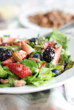 This nuts about berries salad is a copy-ca recipe from the famous restaurant Zupas. This nuts about berries salad recipe is fresh healthy light & amazing! Salad Recipes For Dinner, Salad Dressing Recipes, Panera Bread, 21 Day Fix, Quinoa, Feta, Salad Places, Clean Eating, Healthy Eating