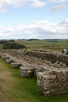 A fascinating tourist attraction in North East England, Housesteads is the most complete Roman fort in Britain. Set where Hadrian's Wall climbs to the top of a dramatic escarpment. Ancient Artefacts, Northumberland England, England Countryside, Paisley Scotland, Roman Roads, Roman Britain, Places In England, Ancient Buildings, Ancient Ruins