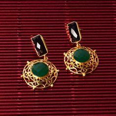 Stone Jaali Earrings . . #Polki #southseapearls #pearls #SterlingSilver #Bracelet #Earrings #Jhumkas #Latkans #love #JewelleryLove #jewellery #silver #gold #puresilver #pure #puregold #jewels #costumejewellery #Zevar #ZevarByGeeta #luxury #beautiful #handmade #customised #exquisite #indianjewellery #indian #madeinIndia