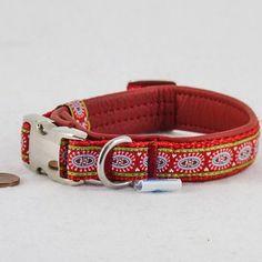 "Mini Leder Halsband ""love"" rot  24,90€"