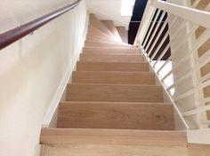 Houten trapbekleding maakt je trap weer zoals nieuw! Benieuwd naar de mogelijkheden en kosten hiervoor, kom dan langs in onze showroom Fairwood in Tiel.