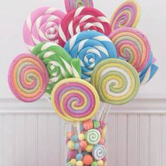 Love this! Lollipop bouquet for a candy themed photo shoot