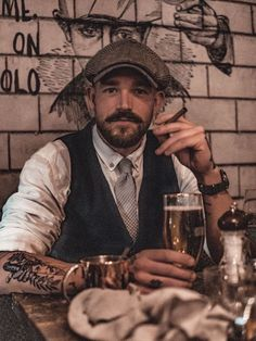 Some of you will see mostly Peaky Blinders? I see style. Peaky Blinders, Dapper Gentleman, Gentleman Style, Mode Rockabilly, Style Anglais, Mode Man, Character Inspiration, Style Inspiration, Retro Fashion