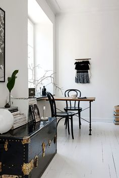 Discovered by Find images and videos about design, interior and compact swedish apartment on We Heart It - the app to get lost in what you love. Decoration Inspiration, Interior Inspiration, Sweet Home, Interior And Exterior, Interior Design, Design Interiors, Living Spaces, Living Room, Scandinavian Home