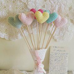 Wedding Bouquet of Crochet Heart Photo Prop Custom Colors Table Centrepiece Decor or Favors by Cherrytime Crochet Home, Love Crochet, Diy Crochet, Crochet Flowers, Crochet Hearts, Crochet Wedding Favours, Wedding Party Favors, Wedding Bouquet, Wedding Cake