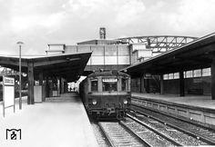 """1935 Ein S-Bahnzug zum Stettiner Bahnhof im """"neuen"""" S-Bahnhof Bornholmerstrasse"""