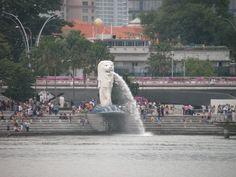 #Singapore #Statue #Fountain