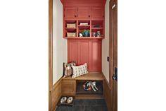 Che Bella Interiors / ASID Showcase Home 2012 - Colorful Mudroom