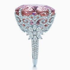Ring in platinum with diamonds and a 25.29-karat oval kunzite.