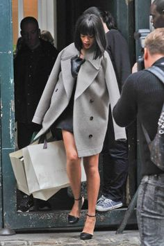 Rihanna. Strret Style. Lovely coat!