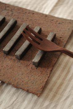 ceramic chopstick rest (by Chieko Fujita)