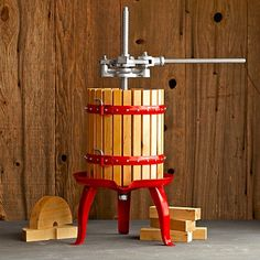 If you have fruit trees or grow grapes, now you can make your own fresh juices, cider or dabble in wine-making with this cool new Classic Fruit, Wine and Cider Press. Cider Press, Cider Bar, Wine Making Kits, Pinot Noir Wine, Cider Making, Apple Varieties, Wine Magazine, Hot Apple Cider, Apple Wine