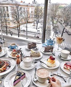 Cake Brunch Places, Brunch Spots, Tara Milk Tea, Food Set Up, Breakfast Of Champions, Aesthetic Food, Cute Food, Best Coffee, High Tea