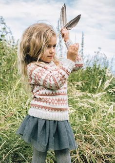 Genser - My favorite children's fashion list Kids Outfits Girls, Toddler Girl Outfits, Kid Outfits, Knitting For Kids, Baby Knitting, Fashion Kids, Baby Barn, Designer Kids Clothes, Kid Styles