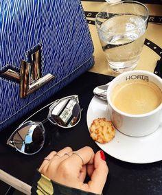 Bom dia fim de semana! Muito amor, Dior e café ☕️ #bomdia #sabadao #oticaswanny #dior #soreal • Pra quem está em São Paulo: como estão aproveitando o sábado chuvoso?!