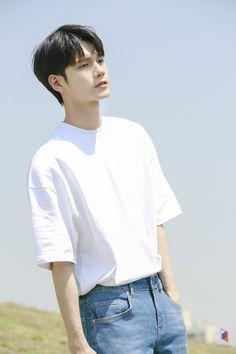 Ong Seongwu 'Moment at Eighteen' Drama Poster Filming Behind by Fantagio Korean Men, Korean Actors, Idol 3, Boy Post, Ong Seung Woo, Hd Love, Kdrama Actors, Seong, 3 In One