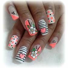 Resultado de imagen para flores en uñas