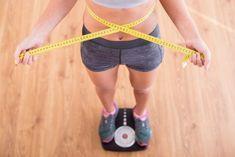 Zaručeným způsobem, jak docílit vysněné postavy, je v první řadě přísné dodržování diety. Pokud budete mlsat, jíst pravidelně jenom když si na to zrovna vzpomenete, očekávaný výsledek se vám vyhne velkým obloukem. Pokud toužíte nejenom po štíhlé, ale zároveň i po pevné postavě, kterou se pyšní fitness modelky, dopomůže vám k tomu cvičení zvané CrossFit. … Weight Loss Workout Plan, Weight Loss Program, Weight Gain, Weight Loss Tips, Reduce Belly Fat, Lose Belly Fat, Lower Belly, Adele Weight, Stop Overeating