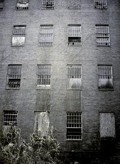 Facade - Photo of the Abandoned Philadelphia State Hospital (Byberry) Abandoned Property, Abandoned Asylums, Abandoned Places, Psychiatric Hospital, Philadelphia, Facade, Multi Story Building, Hospitals, Creepy