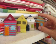 Tiny stuffed fabric house brooch with felt applique and embroidery. By Loddelina on Etsy