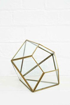Urban Grow Diamantenförmiger Terrarium-Blumentopf in Gold - Urban Outfitters