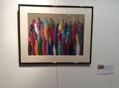 Uniques dans la foule Peinture sur toile encadrée format 40 x 30 cm Collection privée
