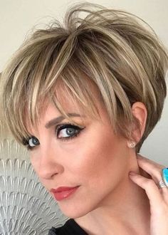 Women's Short Human Hair Wigs Short Straight Lace Front Wigs - hair cuts and colors - Cheveux Short Hairstyles For Thick Hair, Short Straight Hair, Short Pixie Haircuts, Wig Hairstyles, Short Hair Cuts, Curly Hair Styles, Summer Haircuts, Pixie Cuts, Short Hair Back View