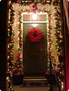 Amazing Christmas Front porch! christmas