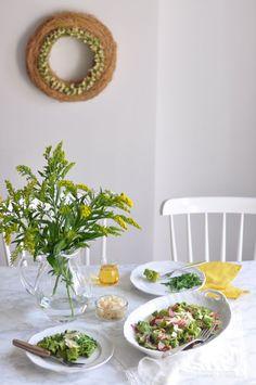 Makaron z pesto z rukoli z szynką parmeńską, parmezanem i prażonymi orzechami…