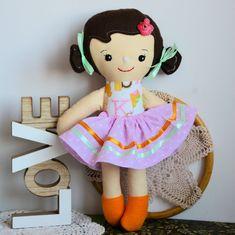 Lalka tancereczka - Dorotka - 35 cm #clothdoll #doll #handmade #stuffed #toy @pracownia.malykoziolek #firstdoll Stuffed Toy, Doll Clothes, Dolls, Handmade, Baby Dolls, Hand Made, Puppet, Doll, Baby Dresses