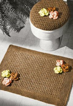 Bathroom Set with Flowers Vintage Crochet Pattern for download - bath mat, seat cover