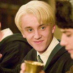 Harry Potter Icons, Harry Potter Draco Malfoy, Slytherin Harry Potter, Harry Potter Cast, Hogwarts, Draco Malfoy Aesthetic, Slytherin Aesthetic, Tom Felton, Hermione Granger