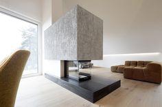 House B.A.B.E. / destilat #living #fireplace