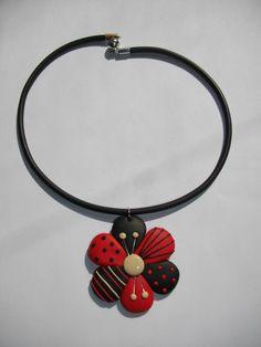 Pendentif fleur (rouge) - Vente de bijoux fimo en ligne - Petit pendentif (Fleur) fimo