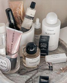 Beauty Care, Beauty Skin, Beauty Makeup, Beauty Hacks, Classy Aesthetic, Aesthetic Beauty, Les Nails, Makeup Is Life, Beauty Essentials