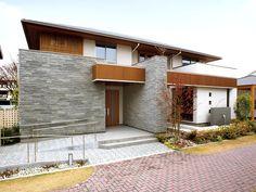 外壁 - イメージギャラリー - タイル建材 - Biz-LIX 商品情報サイト(ビズリク) Style At Home, Simple House Exterior, Modern Design, Modern Decor, Japanese House, Modern House Plans, Interior Architecture, House Design, House Styles