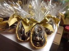 Resultado de imagem para embalagem artesanal ovo de colher Chocolate Packaging, Chocolate Lovers, Bolo Chocolate, Cute Food, Afternoon Tea, Fudge, Easter Eggs, Almond, Easy