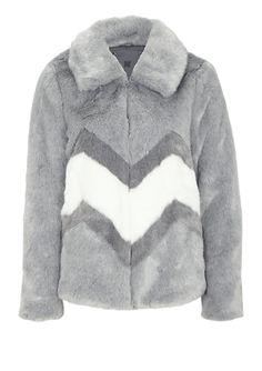 Fake Fur-Jacke in Chinchilla-Optik von s.Oliver. Entdecken Sie jetzt topaktuelle Mode für Damen, Herren und Kinder online und bestellen Sie versandkostenfrei.