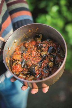 This beautifully simple aubergine, fennel and bean stew is a healthy, hearty vegetarian main course. Taken from the brilliant The Happy Pear cookbook, it has bags of flavour and makes a great meat-free family meal. Yummy Veggie, Veggie Recipes, Vegetarian Recipes, Healthy Recipes, Bean Recipes, Veggie Food, Veggie Dishes, Healthy Foods, Happy Pear Recipes