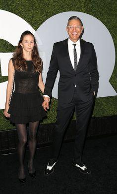 Pin for Later: Tous les Hommes Sexys D'Hollywood Se Sont Rendus à la Soirée GQ Men of the Year Emilie Livingston et Jeff Goldblum
