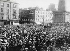 The Great Strike Dublin 1913 The Dublin Lock-Out which started in August 1913 and ended in January 1914 was one of the biggest labour disputes of the last century in the British Isles. Dublin Street, Dublin City, Ireland 1916, Dublin Ireland, Old Pictures, Old Photos, Union Strike, History Articles, A Hundred Years