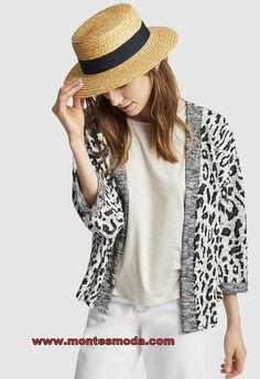 Fashion, Short Jackets, Buttons, Spring Summer, Black, Moda, Fashion Styles, Fashion Illustrations